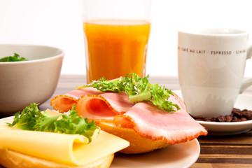 Frühstück Gesund Brötchen Kaffee Obst Salat