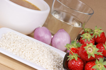 Strawberry rice ingredients