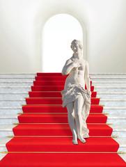 Skulptur auf rotem Teppich