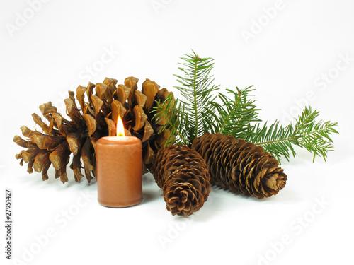 Weihnachtliche dekoration mit kerze stockfotos und for Weihnachtliche dekoration