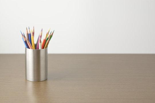 ケースに入った色鉛筆
