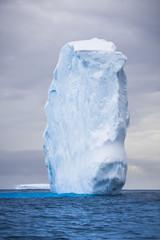 Photo sur Plexiglas Antarctique Antarctic iceberg