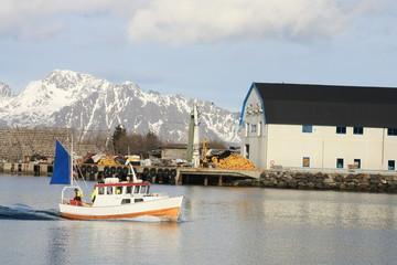 Boat exiting  Svolvær