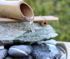 fontaine en bambou zen