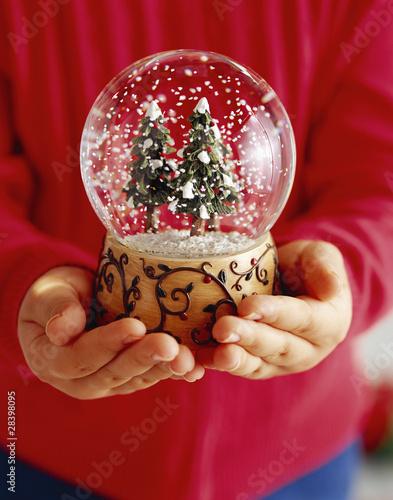 Новогодний шар со снегом сделать своими руками