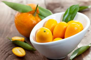 Kumquats in Schale