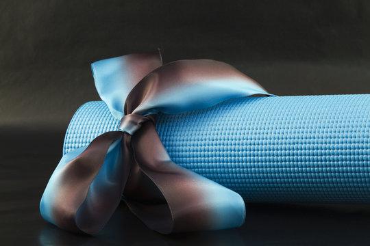Share Yoga's Pleasures