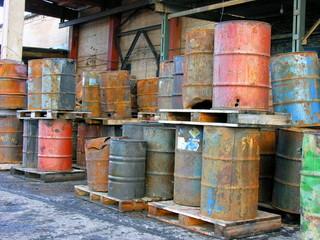 Oil trashcan