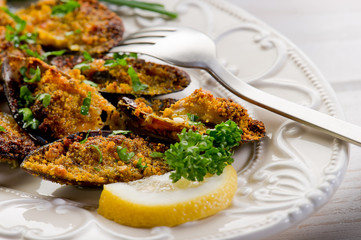 mussel au gratin- cozze gratinate