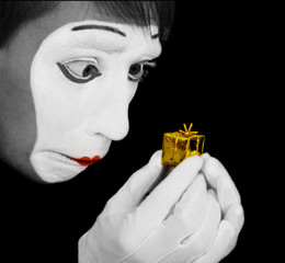 Mime is upset of too little gift
