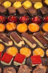 plateau de gourmandises sucrées - assortiment desserts