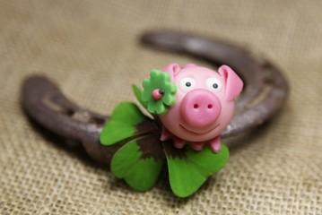 Glückschwein mit Hufeisen - Happy New Year
