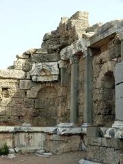 Ruinen an der Agora in Side