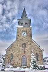 Kirche im Dorf Biesfeld - HDR