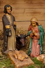 Maria und Joseph mit Jesus in der Krippe