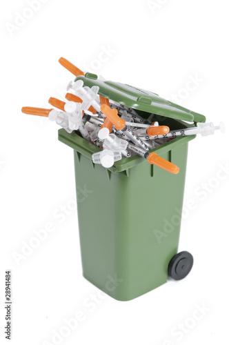 Reciclaje de material sanitario fotos de archivo e for Material sanitario online