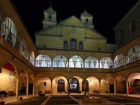 Patio del Hospital de Santiago, Ubeda, Jaén
