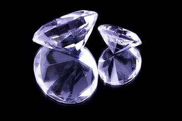 Jewels on Black mirror