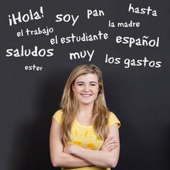 schülerin mit spanischen vokabeln