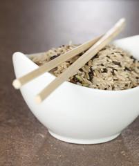 gemischter Reis in Schale