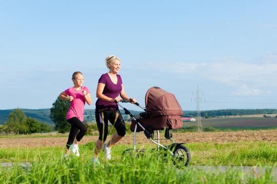 Sport in Familie - Jogging mit Kinderwagen