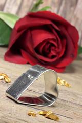 rote Rose mit Herzform
