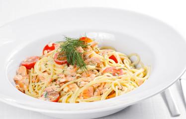 Spaghetti mit Lachs