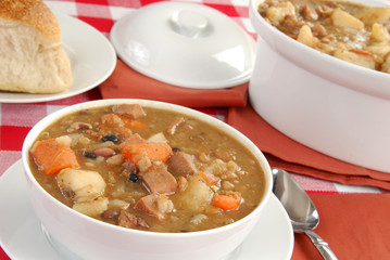 Hot ham and bean soup