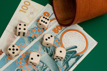 Six dices and some danish money