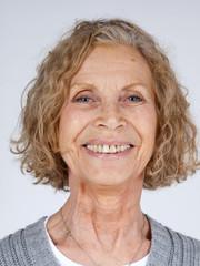 Portrait d'une femme de la soixantaine