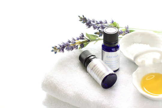 Aroma essential on white towel