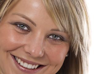 Close-up einer lachenden jungen Frau