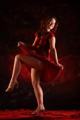 woman dance like Marilyn Monroe