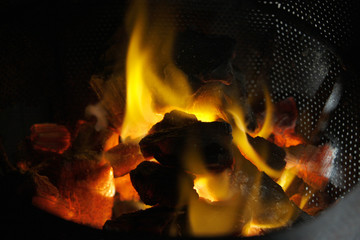 Flame an Carbon