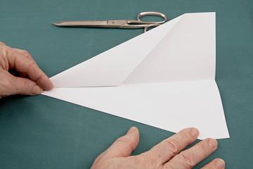 Papierflieger Pfeil 11