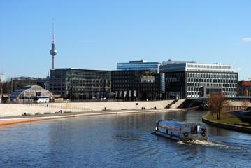 Blick auf Friedrichstraße & Fernsehturm