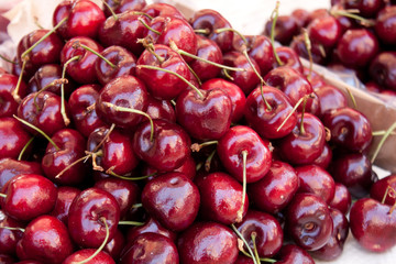 Division of fresh cherries..