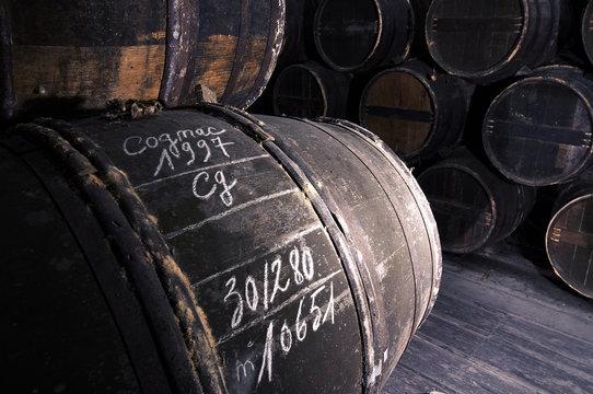 Cognac: Otard. Der Cognac reift in Eichenfaessern