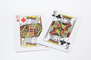 2枚のキングのカード