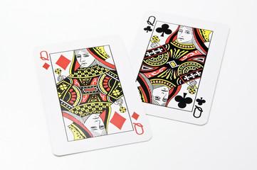 2枚のクイーンのカード