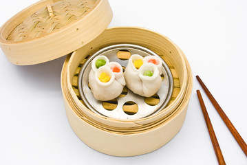 Steamed Rolls Stuffed with Pork and Shrimp