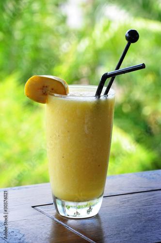 Как сделать коктейль из банана и яблоко