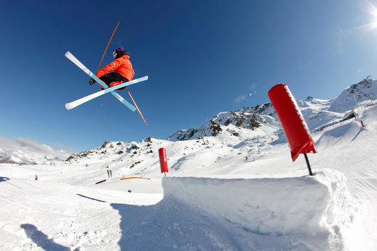 freestyle, figure phil grab - ski croisées