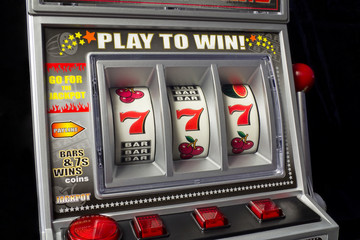slot machine with three times seven