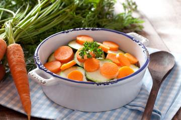 Karotten und Zucchini