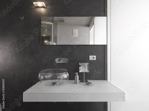 """""""lavabo di vetro in bagno moderno"""" Immagini e Fotografie Royalty Free su Fotolia.com - File 30840007"""