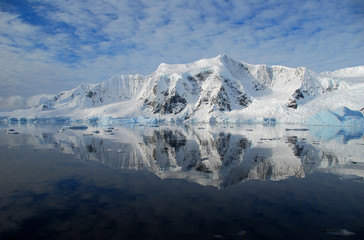 Wall Mural - mirror reflection of antarctic landscape in ocean