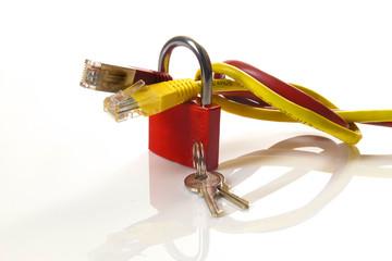 rotes Vorhängeschloss auf weißem Hintergrund / red padlock on a