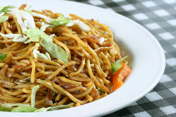 chowmein in plate