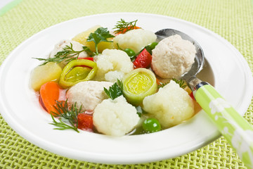 Soup with chicken meatballs and cauliflower